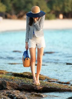 Alice and Olivia Navy striped blazer and white lace shorts