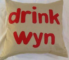 Drink wyn cushion