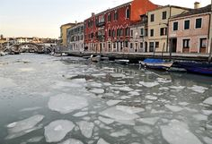 Ice is clogging the canals in Venice, Italy, because of unusually low temperatures. (via msnbc.com)