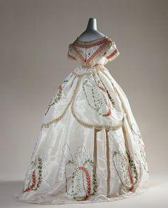 Dress    1864