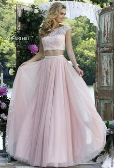 Sherri Hill dresses are designer gowns for television and film stars. Find out why her prom dresses and couture dresses are the choice of young Hollywood. 2016 Homecoming Dresses, Sherri Hill Prom Dresses, Tulle Prom Dress, Grad Dresses, Ball Dresses, Evening Dresses, Wedding Dress, Prom 2016, Dresses Dresses
