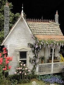 cottage by Bill Lankford - love the wisteria draped front porch!Victorian cottage by Bill Lankford - love the wisteria draped front porch! Victorian Cottage, Shabby Cottage, Victorian Dollhouse, Modern Dollhouse, Nantucket Cottage, Shabby Bedroom, Shabby Chic, Victorian Dolls, Dollhouse Ideas