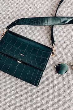 JW PEI believe that the future of fashion should be ethical and sustainable. Look Fashion, Fashion Bags, Autumn Fashion, Fashion 2020, Womens Fashion, Tote Bags, Mode Style, Purses And Handbags, Trendy Handbags