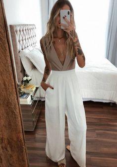 Ideias de looks com calça pantalona branca - Casual Chic Outfits, Looks Style, Casual Looks, Classy Casual, Fashion Bloggers Over 40, Boho Fashion, Fashion Outfits, Dress Codes, Types Of Fashion Styles