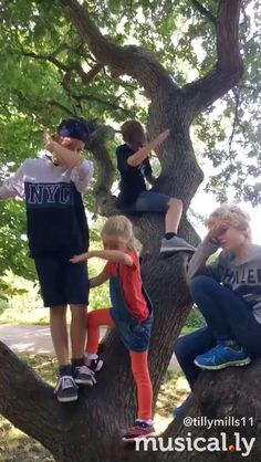 see this is the family I need one we're in not the only crazy one Family Goals, Family Love, Best Friend Quotes, Best Friends, Siblings, Twins, Max Mills, Harvey Mills, James Maslow