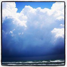 sandstorm at the horizon, sea,clouds