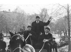 Los Beatles en Central Park en febrero de 1964