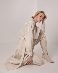 #trenchcoat #basic #trench #autumnstyle #springtrench #outerwear #women'souterwear #casualouterwear #fashiontrenchcoat #womensjacket #autumnouterwear #casualstyle #outfits #streetstyle #fashionstyle #designertrenchcoat #lichishop #lichiouterwear Airport Fashion, Airport Style, Waterproof Fabric, Online Fashion Stores, Winter Style, Vegan Leather, Trench, Korean Fashion, Designer