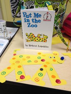 """Put Me in the Zoo"" craft Dr Seuss Art, Dr Seuss Crafts, Dr Seuss Week, Dr Suess, Zoo Preschool, Preschool Books, In Kindergarten, Preschool Crafts, Kindergarten Projects"