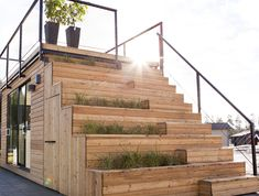 Small is beautiful: compact summer house with roof terrace