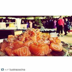 #Repost @tuotracocina with @repostapp  Buffet oriental en el aperitivo de una boda en #Jerez este fin de semana. #tuotracocina #sushi #makisushi #uramaki #maki #niguiri #oniguiri #sashimi #tataki #atun #salmon #chef #chefwithtattooes #tattooedchef #catering #buffet #gastronomía #gourmet #showcooking #eventos #eventosdiferentes #boda #wedding #sevilla #sevillahoy by estepa_chef