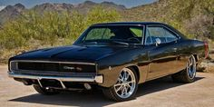 1968 Dodge Charger RT I hate when a beautiful, old muscle car catches my eye, I go to pin it, only to find that my girlfriend pinned it first. Dodge Charger 1970, Dodge Charger Negro, Charger Srt8, Top 10 Muscle Cars, Muscle Cars Vintage, 60s Muscle Cars, Mopar, Sexy Cars, Hot Cars