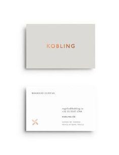 Free square business card mockup psd design advices and resources creez une carte de visite qui vous dmarque reheart Images