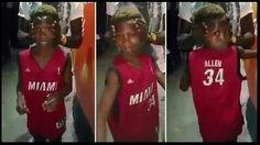 #LaRealnoticia Video: Ignorando el Peligro Niño Gira su Cabeza como en El Exorcista http://ht.ly/Wq1yd