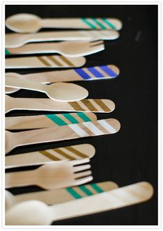 hand-painted bamboo utensils - jazz up eco-friendly utensils with a little color. As seen on 100 Layer Cake. Painted Bamboo, Hand Painted, Fun Crafts, Arts And Crafts, Sweet Sixteen Parties, Brunch, Deco Table, Party Entertainment, Paper Straws