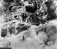 Vue aérienne du débarquement à Bernières-sur-Mer, Juno Beach
