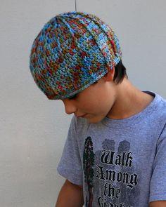 cute little hat - free pattern too!