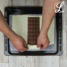 So schnell machst du aus Blätterteig und Schokolade eine unwiderstehliche süße Leckerei! Probier unseren Schokozopf aus! #rezept #rezepte #schokozopf #schokoladenzopf #schokolade #blätterteig
