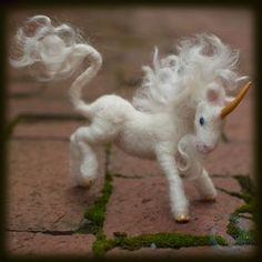 """Unicorn"" Yes indeed, I also do needle felting and oh boy is it fun. There's more felted creatures in my bookshelf, but only now I felt . Needle Felted Animals, Felt Animals, Wet Felting, Needle Felting, Felt Dragon, 3d Figures, Fantasy Figures, Felt Monster, Felting Tutorials"