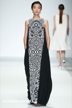 Holly Fulton Spring 2015 Ready-to-Wear Collection - Vogue The complete Holly Fulton Spring 2015 Ready-to-Wear fashion show now on Vogue Runway. Boho Dress, Dress Up, Holly Fulton, Casual Mode, Fashion Show, Fashion Design, Mode Inspiration, Mode Style, African Fashion