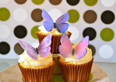 The Original EDIBLE BUTTERFLIES - Large Assorted Purple - Cake & Cupcake toppers - Food Decoration by SugarRobot on Etsy https://www.etsy.com/listing/83370010/the-original-edible-butterflies-large