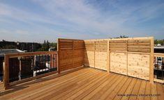 Privacy screen on a rooftop terrace in Montreal - Home & DIY Diy Pergola, Pergola Swing, Deck With Pergola, Covered Pergola, Pergola Kits, Gazebo, Small Pergola, Cheap Pergola, Outdoor Pergola