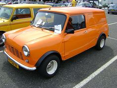 Mini panel van with an awesome orange paint job Mini Cooper Classic, Classic Mini, Vans Classic, Mini Copper, Mini Clubman, Car Mods, Mini Trucks, Train Car, Small Cars