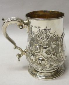 Antique Silver Mug 1860 Augustus Piesse stock id 7862 Tarnished Silver, Antique Silver, Sterling Silver, Flatware Set, Cutlery, Gold N, Metal Crafts, Beautiful Gifts, Silver Plate
