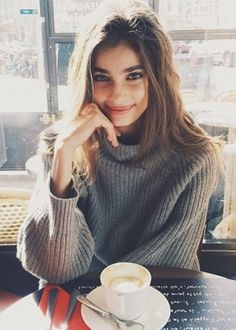 The Modern-Day Sophia Loren: Taylor Hill Possessing flowing brunette locks, a sumptuous pout and, more often than not, seriously winged eyeliner, Taylor Hill is our generation's answer to Sophia Loren.