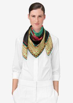 "36"" x 36"" scarf Hermès   Selle d'Officier en Grande Tenue"