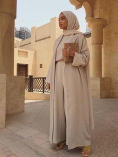Modest Fashion Hijab, Modern Hijab Fashion, Muslim Women Fashion, Modesty Fashion, Hijab Fashion Inspiration, Islamic Fashion, Mode Inspiration, Modest Outfits Muslim, Casual Hijab Outfit
