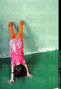 6 year old girl doing a handstand