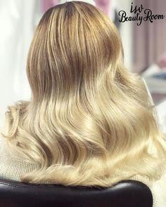 #Retrowaves #blonde #isvbeautyroom Retro Waves, Beauty Room, Make Up, Long Hair Styles, Long Hairstyle, Makeup, Long Haircuts, Beauty Makeup, Long Hair Cuts