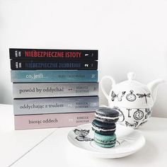 It's time to start autumn evenings  #lifestyle #lifestyleblog #reading #books #macarons #paris #white #interior #shabbychic #shabby #chic #fashionista #fashiongirl #fashionblog #fashionista #fashionblogger #fashion #blog #blogger #evening #autumn #cozy #comfy #itgirl #blogger #blog #look #style #polishblog #polishgirl by confassion
