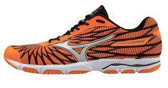Estas zapatillas de running Mizuno Wave Hitogami 4 han sido diseñadas para corredores que buscan una zapatilla de competición muy ligera con su peso de 220 gramos y de perfil bajo, pero manteniendo una gran estabilidad y amortiguación.