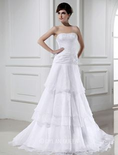Stylish A-line Beading Sleeveless Organza Wedding Dress with Applique