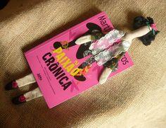 Marcador de livros boneca Frida kahlo (estilo Tilda) <br> <br>32 cm para inspirar sua leitura