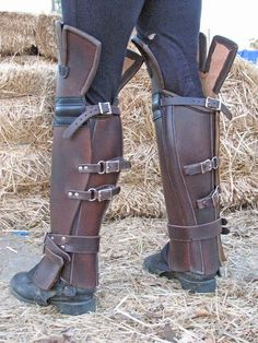 For all my cosplaying students - Gaiters. Fantasy Costumes, Cosplay Costumes, Pirate Costumes, Assassins Creed Costume, Post Apocalyptic Fashion, Landsknecht, Fantasy Armor, Body Armor, Leather Projects