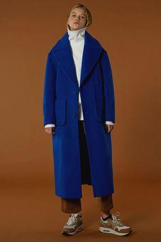 [unisex] Over size drop coat {Limited color} blue Petite Denim Jacket, Oversized Denim Jacket, Denim Jacket Men, Long Trench Coat Mens, Look Fashion, Winter Fashion, Coats For Women, Jackets For Women, Womens Windbreaker