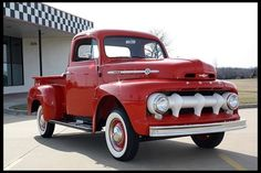 1950's Ford F-1 - O-M-G LOVE THIS TRUCK!