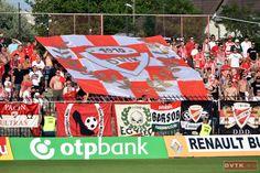 Nagyszerű élőkép fogadta a csapatot a Bozsik Stadionban