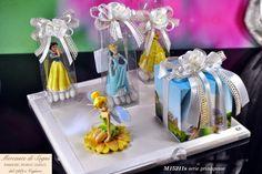 """Mercante di Sogni - Voghera - Bomboniere e Stampati dal 1969 - Vendita ai privati: 12/11/14  Collezione """"MB"""" - Serie WALT DISNEY -  - PRINCIPESSE E TRILLI - Scatoline - Bomboniere   Linea di oggetti realizzati con personaggi WD e bouquet rosa bianca.  Read more: http://mercantedisognivoghera.blogspot.com/2014_12_11_archive.html#ixzz3MMXSDHkm"""