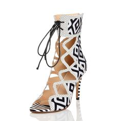 74.60$  Watch here - http://alijom.worldwells.pw/go.php?t=32660942036 - European and American fashion women's black and white high-heeled   Korean nightclub hollow cool