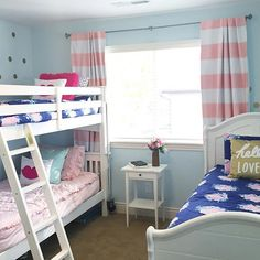This is such a fun room!! We love our customers! :heart: You NEED our bedding for bunk beds! #zipyourbed #beddys #zipperbedding #customerPic www.beddys.com