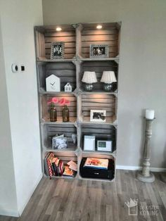 12 DIY craft ideas, what you can do with old wooden boxes! DIY craft ideas is part of Home diy - 12 DIY craft ideas, what you can do with old wooden boxes! Cheap Home Decor, Diy Home Decor, Room Decor, Wall Decor, Old Wooden Boxes, Wooden Crates, Crate Furniture, Wooden Furniture, Furniture Ideas