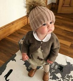 Those chubby cheeks .- Those chubby cheeks … – – Cute Little Baby, Small Baby, Baby Kind, Baby Love, Fashion Kids, Baby Girl Fashion, Beach Fashion, Baby Outfits, Kids Outfits