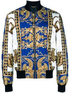 41f127fd107 VERSACE 巴洛克印花飞行员夹克. #versace #cloth Versace Mannen, Jasjes, Mode