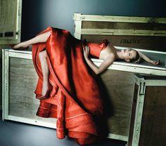 Kate Moss in Dior Fall 2012 | photo Mario Testino | Vogue Spain December 2012