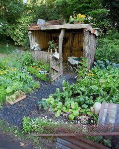 Amazing Rustic Backyard Gardens Ideas for Easy and Affordable Gardening - Hinterhof Garten - Awesome Garden Ideas Diy Garden, Garden Cottage, Dream Garden, Garden Projects, Garden Tools, Garden Sheds, Potager Garden, Herb Garden, Garden Farm