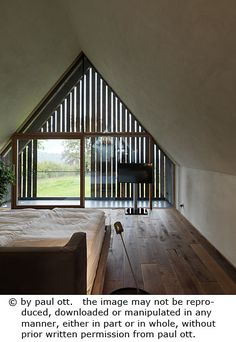 Haus P / Gangoly & Kristiner Architekten ZT GmbH - Paul Ott Pfotografiert Gable Roof, Farmhouse Remodel, Lobbies, Shop Interiors, Cottage Homes, House In The Woods, Future House, Modern Farmhouse, Cool Designs